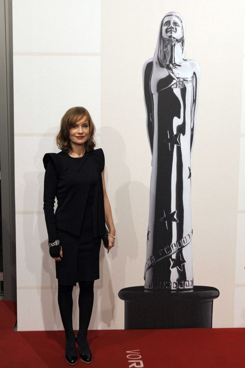 93888411_MV_1286_isabellehuppert