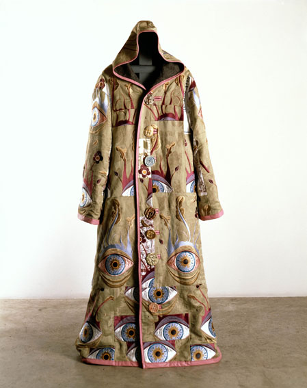 Gsk-contemporary-aware-grayson-perry-artists-robe-2004-web