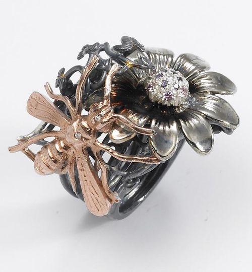 ART 72 multicoloured dead nature silver ring with diams