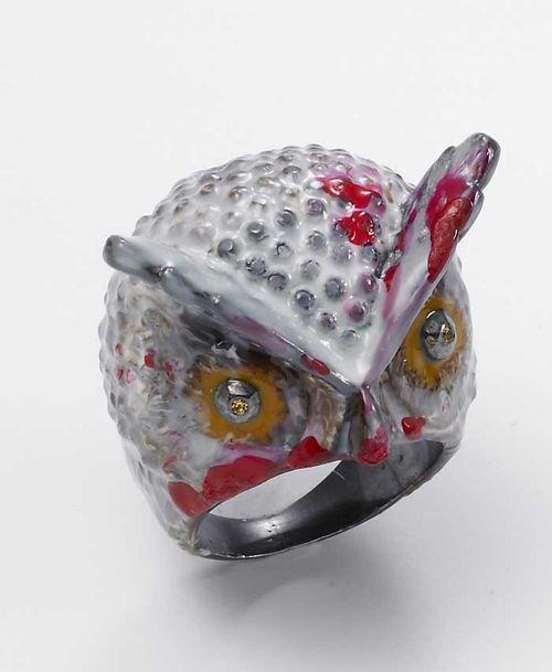 ART 73 silver albino owl with enamel and diams