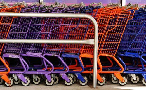 600pxColourful_shopping_carts