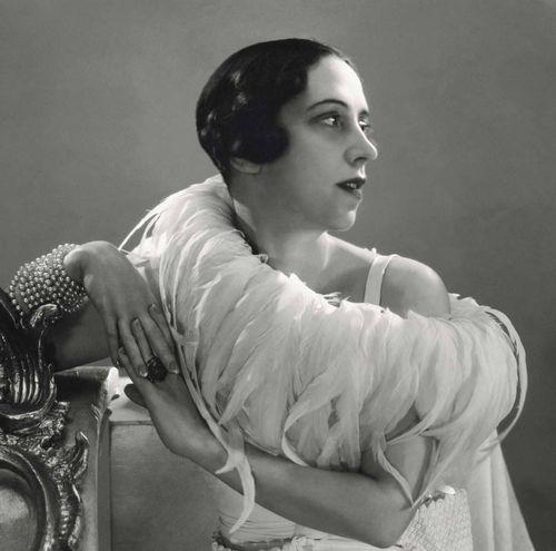1.ElsaSchiaparelli,1932,ByGeorgeHoynignen-Huene