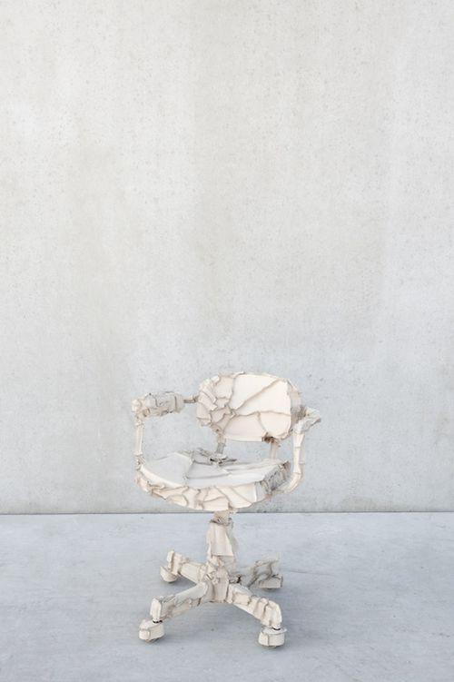 2 Pepe Heykoop Skin_officechair white photo by annemarijne  bax