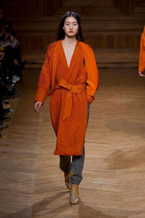 Christian-wijnants-autumn-fall-winter-2013-pfw24
