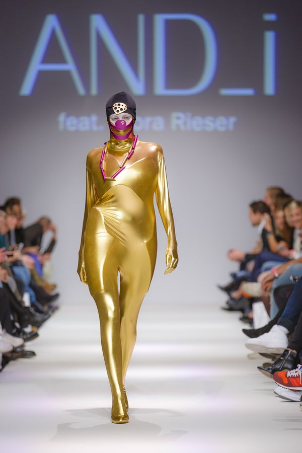 2013-09-14_MQVFW_22h_And_I_feat_Nora_Rieser_-3