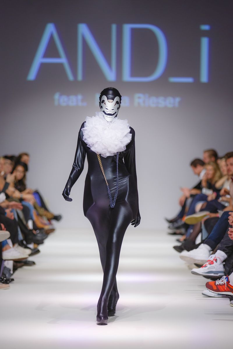 2013-09-14_MQVFW_22h_And_I_feat_Nora_Rieser_-7