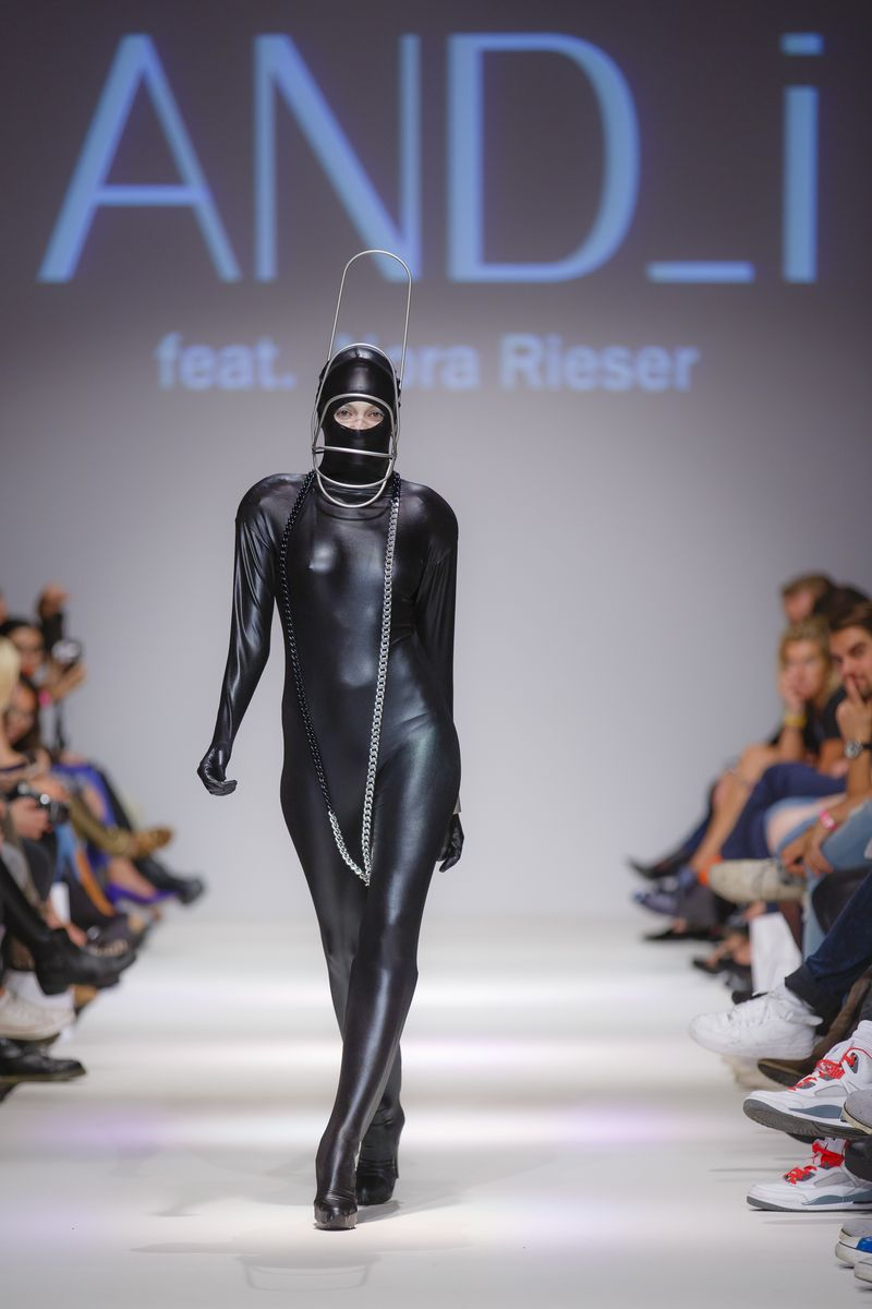 2013-09-14_MQVFW_22h_And_I_feat_Nora_Rieser_-9