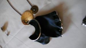 Husam_glove