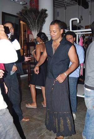 Julius_mcewan_looking_gorgeous_in_h