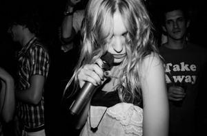 Ania_chorabik_singing