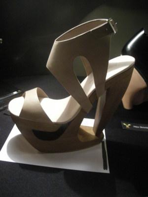 Sacha_golden_heel_award_01