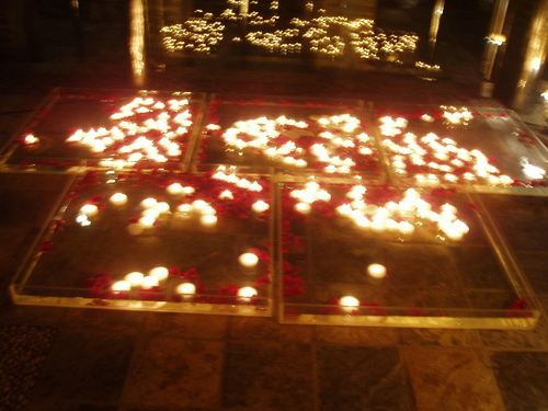 Candles_night_1