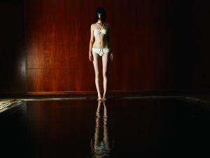 White_bandeau_bikini