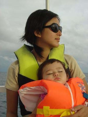 Y_and_n_on_boat